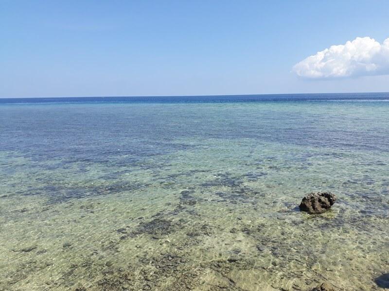 Pesona Alam Pantai Ujung Tiro