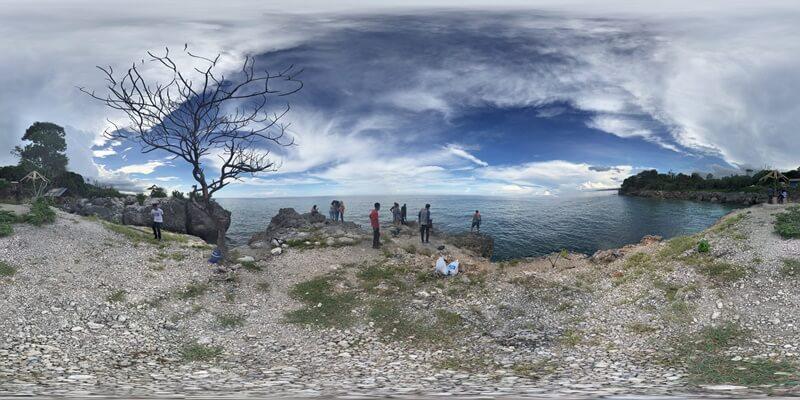 Suasana Asri Di Pantai Ujung Tiro