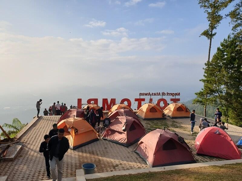 Area Camping Di To' Tombi