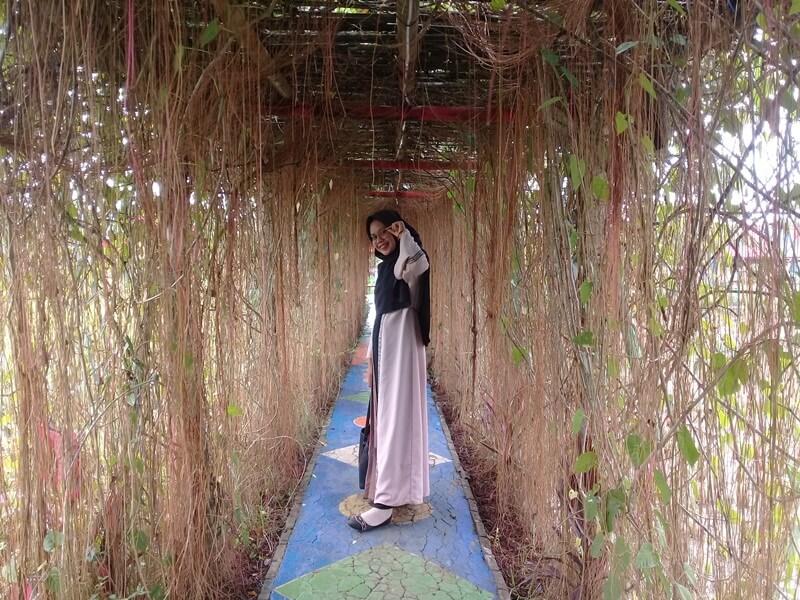 Terowongan Menuju Taman Sabin