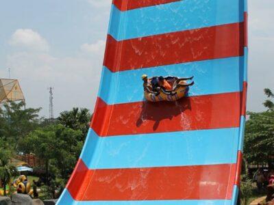 Water Kingdom Mekarsari, Mencoba Wahana Seru Di Waterpark Terbesar Se Asia Tenggara