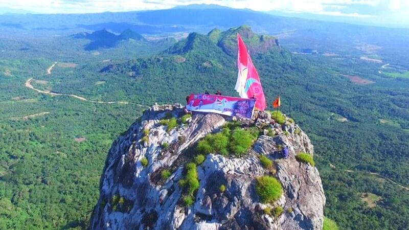 Bendera Asian Games Di Puncak Bukit Serelo