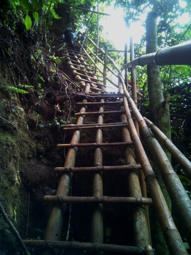 Treking Menuju Coban Pancawarna