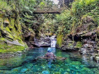 Curug Balong Endah, Menikmati Indahnya Kolam Alami Di Bogor