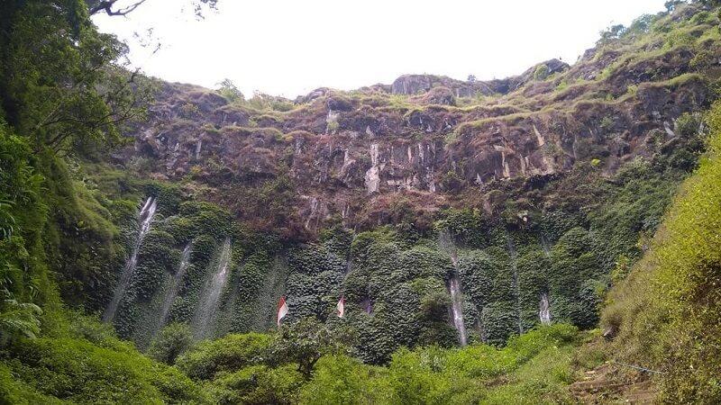 Keindahan Tebing Di Coban Sriti