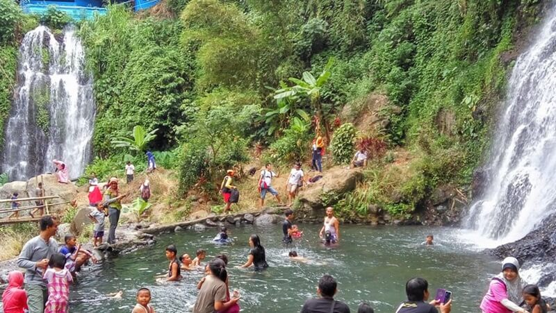 Menikmati Kesejukan Air Terjun Jagir