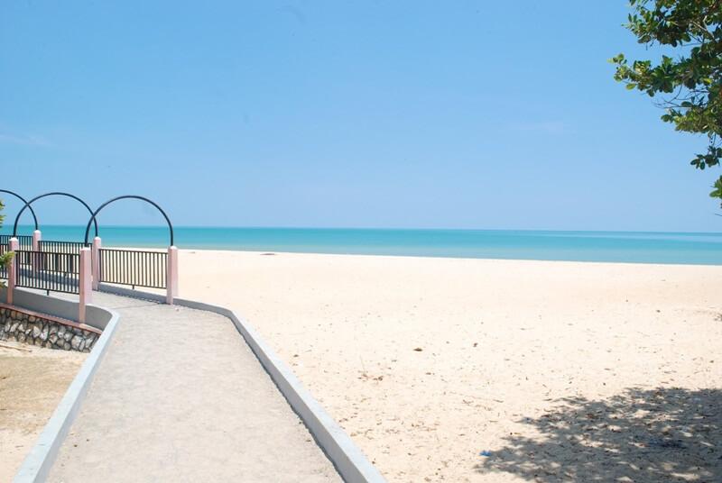 Pantai Nepa Madura