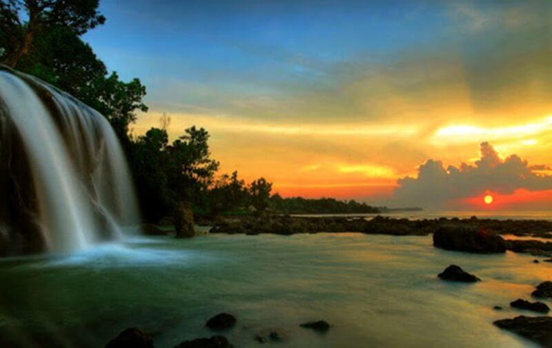 Sunset Di Air Terjun Toroan