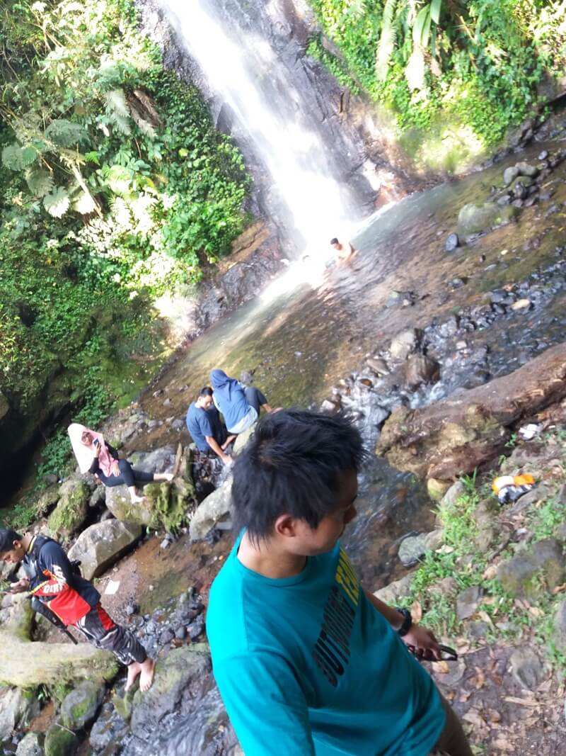 Bermain Air Curug
