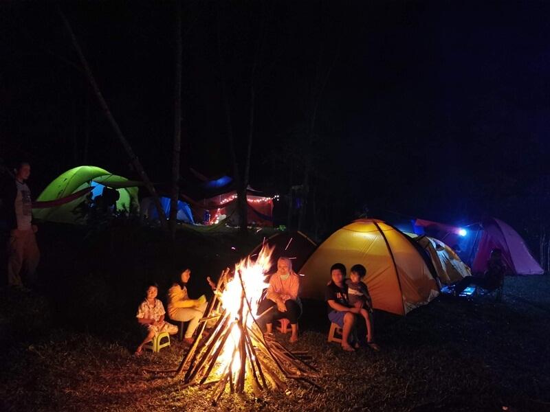 Camping Bersama Keluarga