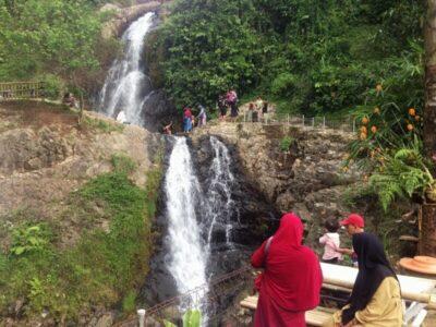 Curug Cikoneng Puraseda, Review Paket Wisata Lengkap Di Leuwiliang, Bogor