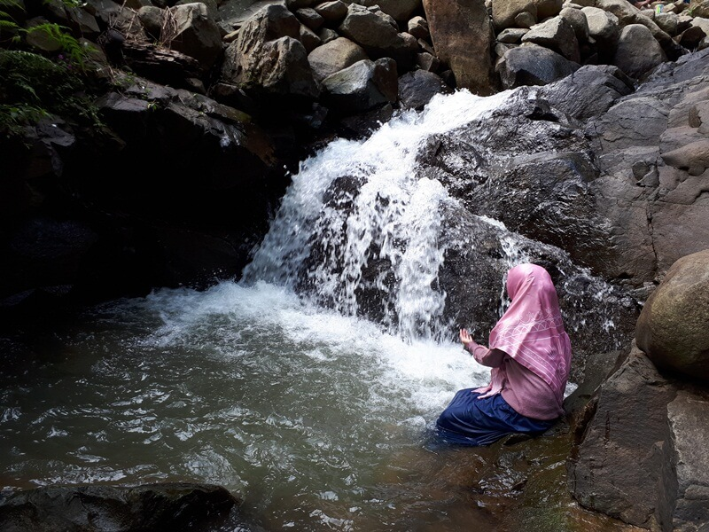 Bermain Air Curug Cigentis
