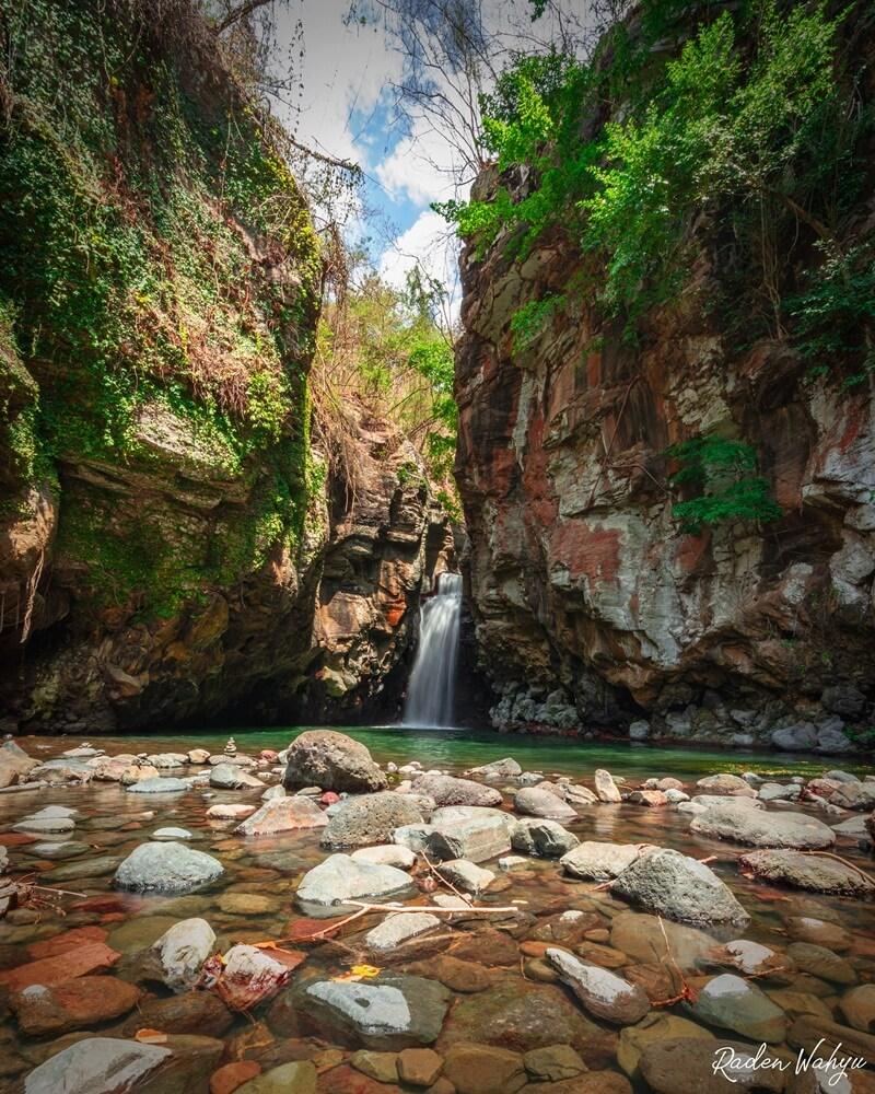 Lokasi Utama Air Terjun Tembok Barak