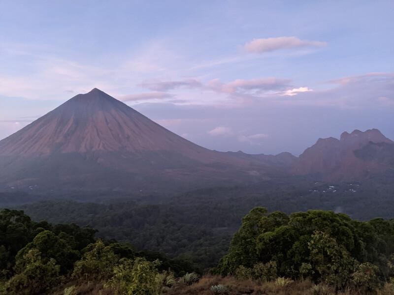 gunung ineria