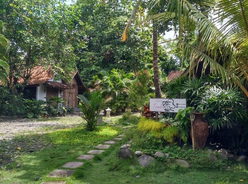 the atmosphere of the Tembi village inn