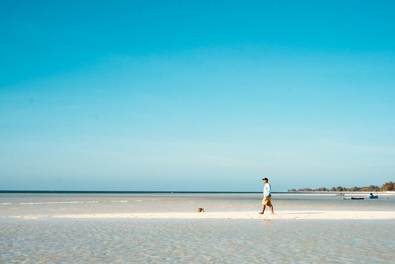 indahnya pantai walakiri