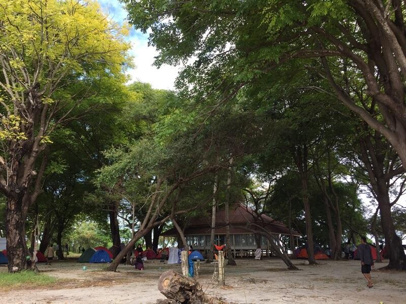 mushola di pulau langkadea