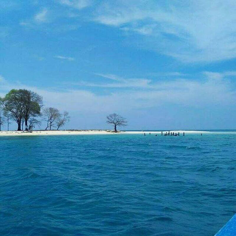 view indah pulau langkadea